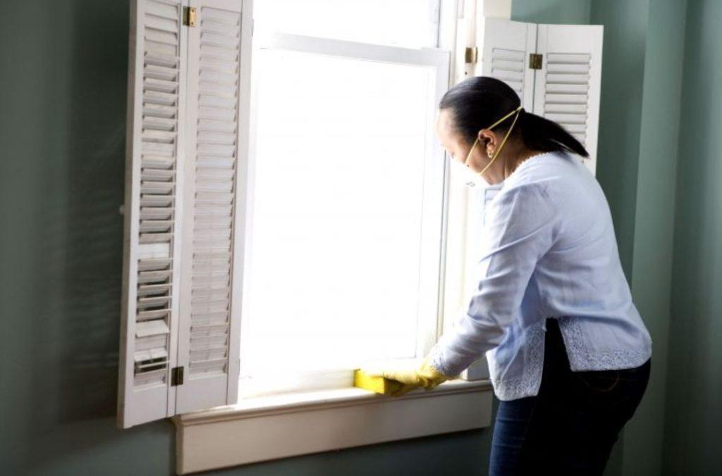 get rid of mold on window caulking