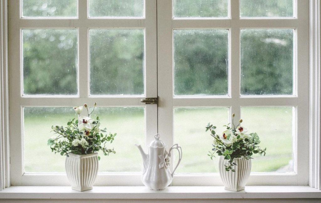 how to remove windows caulking